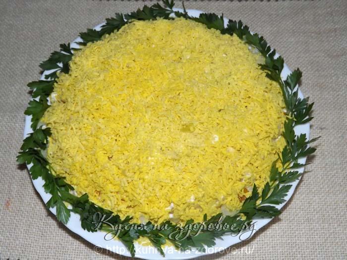Следующий слой салата мимоза - картофель