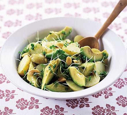 Фото: рецепт салата с авокадо и картофелем