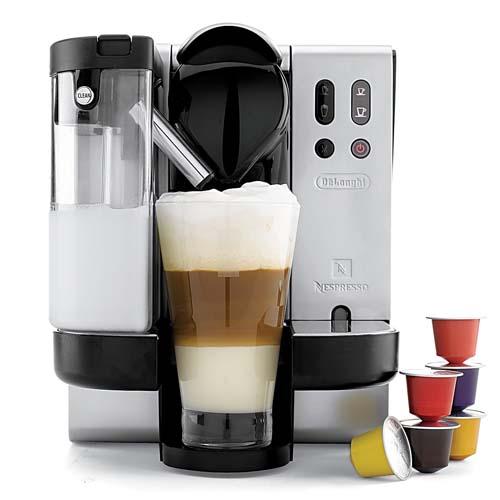 Кофемашина капсульного типа Делонги.