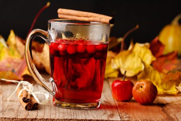 Напиток «Русский лес» из клюквы.