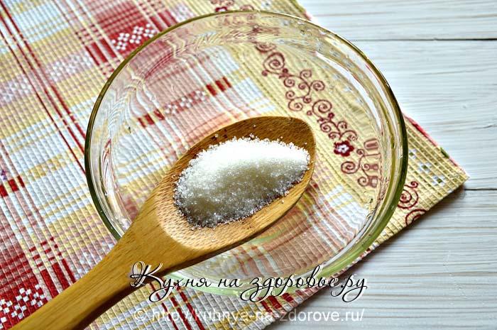 Сахарный песок для приготовления блинов на молоке.