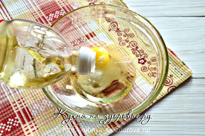 Как приготовить блины на молоке - добавим растительное масло.
