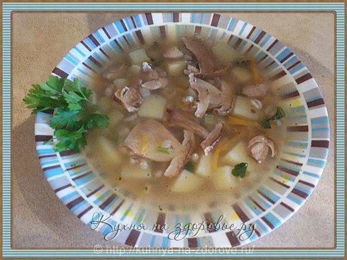 Грибной суп из свежих белых грибов.