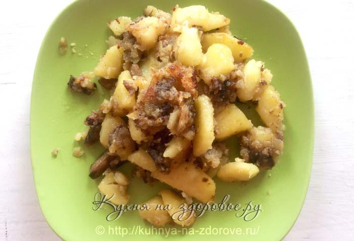 Грибы с картошкой жареные по нашему рецепту