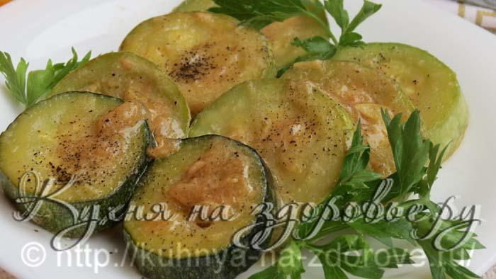 Тушеные кабачки хорошо употреблять как отдельную закуску